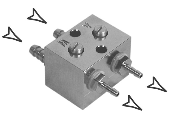 Adjustable Syringe Connector Block